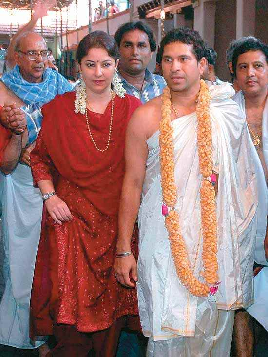 Sachin's wife Anjali, at a temple near Mangalore