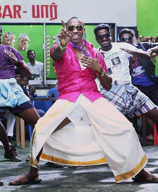 Lungi Dance Chennai Express Free Download: Outlook Photogallery
