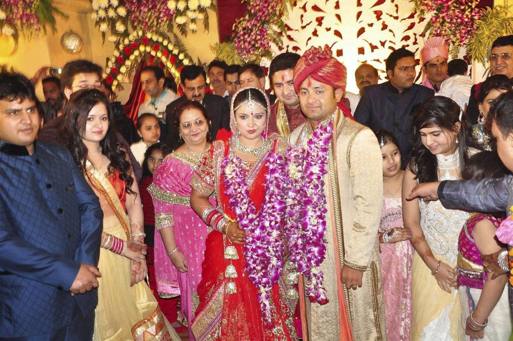Yusuf Pathan And His Wife Outlook Photogallery
