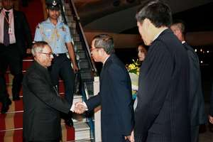 President Pranab Mukherjee being welcomed on his arrival at Hanoi International Airport.