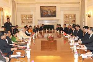 The Prime Minister, Narendra Modi and the Chinese President, Xi Jinping, at the delegation level talks, in New Delhi.