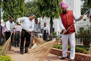 "Delhi Assembly Speaker M S Dhir launches the cleanliness drive under ""Swachh Bharat Abhiyan"" in Delhi Assembly premises, in New Delhi."
