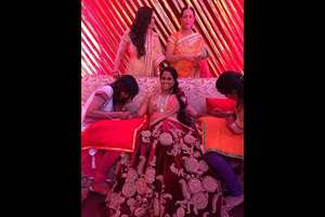 Arpita Khan, gets her mehendi done. She tweeted this picture and wrote: