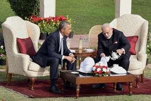 Prime Minister Narendra Modi pours tea for US President Barack Obama during their talks at Hyderabad House in New Delhi.