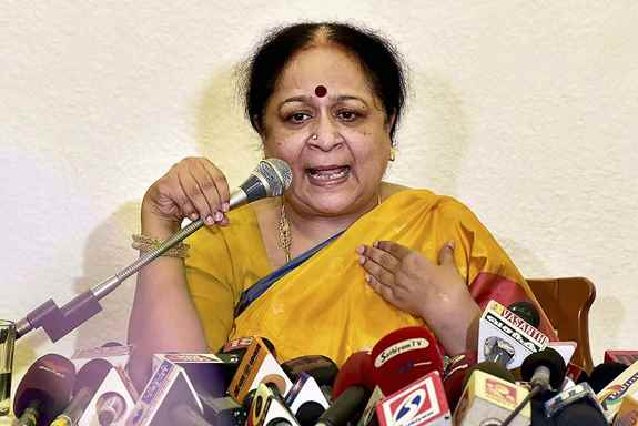 Former Union Minister Jayanthi Natarajan addressing a press conference in Chennai. Natarajan has decided to quit the party while making a scathing attack on Rahul Gandhi.