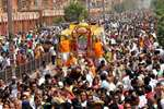 Devotees taking part in a procession organised on 'Mahavir Jayanti' in Jaipur, Rajasthan.