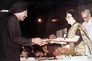File: Harpal Singh receiving the keys to the first Maruti 800 car from former prime minister Indira Gandhi.