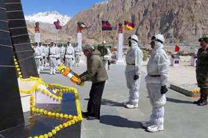 The Union Minister for Defence, Manohar Parrikar laying wreath at Siachen War Memorial, during his visit to Siachen Glacier. The Chief of Army Staff, General Dalbir Singh is also seen.