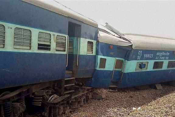 Jammu-Tata Nagar Muri Express derails in Kaushambi district of Uttar Pradesh, reportedly killing one person and injuring six.