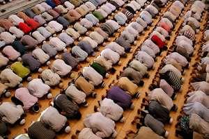 Muslims offer prayers during Ramzan at the Vasi Ullah mosque, in Allahabad.