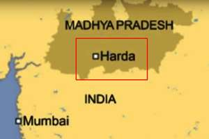 Map of the accident site where 10 coaches of two trains from Mumbai derailed in Harda in Madhya Pradesh and plunged into a swollen Machak river.