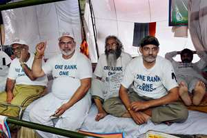Ex-servicemen continue their indefinite hunger strike over non-implementation of One Rank One Pension (OROP), at Jantar Mantar in New Delhi.
