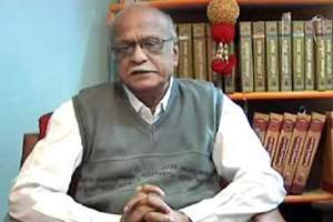Kannada writer and a former vice-chancellor of Hampi University, M M Kalburgi, who often courted controversies with his outspoken stand on various issues including idol worship, was shot dead at point-blank range by two unidentified men at his residence in Dharwad, Karnataka.