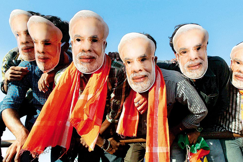 http://pgresize.outlookindia.com/images/gallery/20151106/modi_mask_20151116.jpg