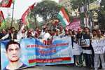 Samajwadi Party workers raising slogans during a rally to support bollywood actor Aamir Khan for his recent statement on intolerance  in Allahabad.